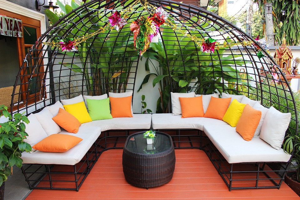Simple Garden Bench Design Ideas That Will Improve Your Outdoor Living