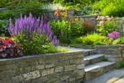 How Can a Retaining Wall Benefit Your Home?